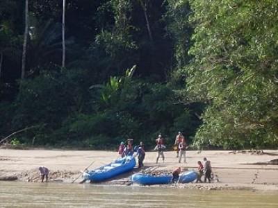 Camping the Urubamba River rain forest