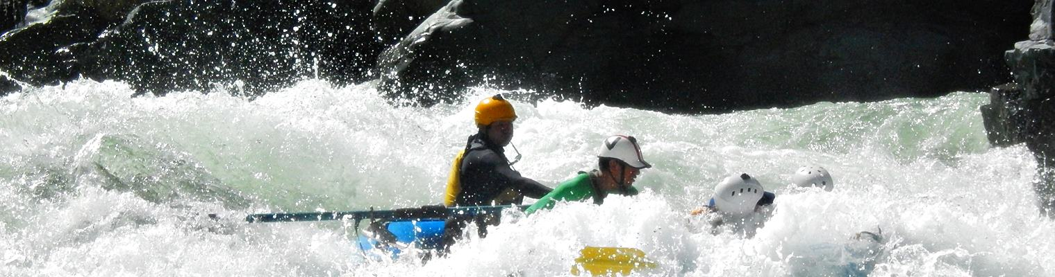 Cusco Peru river rafting rapid